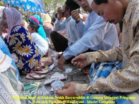Haul di Makam Syekh Basyarudin di Gunung Munggut Pringapus